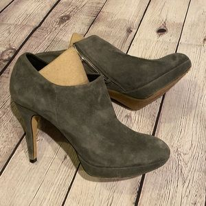 VINCE CAMUTO Gray Suede Leather High Heel Booties